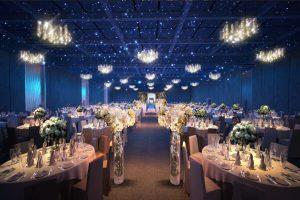 Phông nền nhà hàng tiệc cưới sang trọng